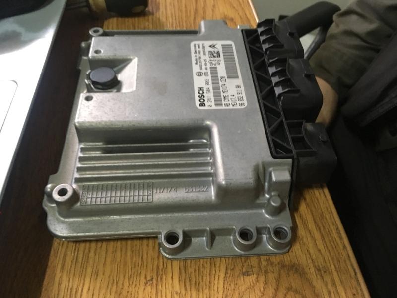 Блок управления двигателем Пежо 308 ситроен с4