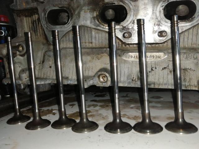 очищенные клапана двигателя EP6CDT